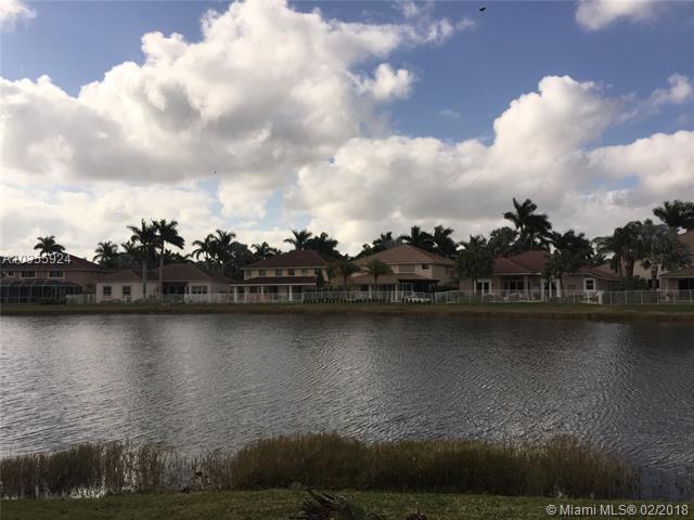 1797 Harbor View Cir, Weston, FL 33327 (MLS #A10355924) :: The Teri Arbogast Team at Keller Williams Partners SW