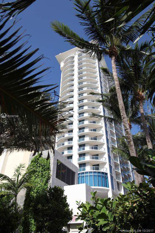 17315 Collins Ave #1506, Sunny Isles Beach, FL 33160 (MLS #A10357246) :: The Howland Group