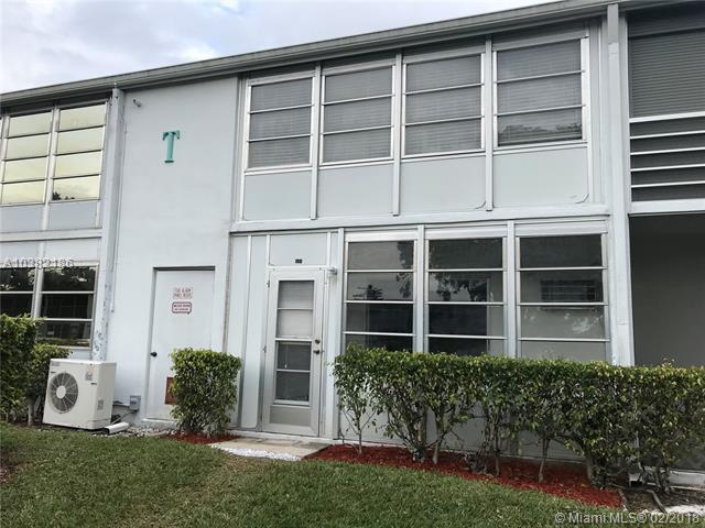 555 Durham T #555, Deerfield Beach, FL 33442 (MLS #A10382186) :: The Teri Arbogast Team at Keller Williams Partners SW