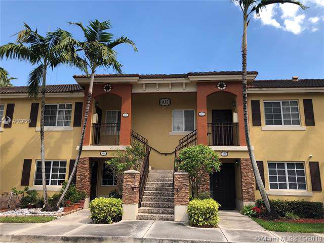 935 NE 34th Ave #201, Homestead, FL 33033 (MLS #A10397810) :: Ray De Leon with One Sotheby's International Realty