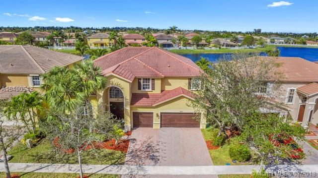 3857 E Hibiscus St, Weston, FL 33332 (MLS #A10400542) :: Stanley Rosen Group