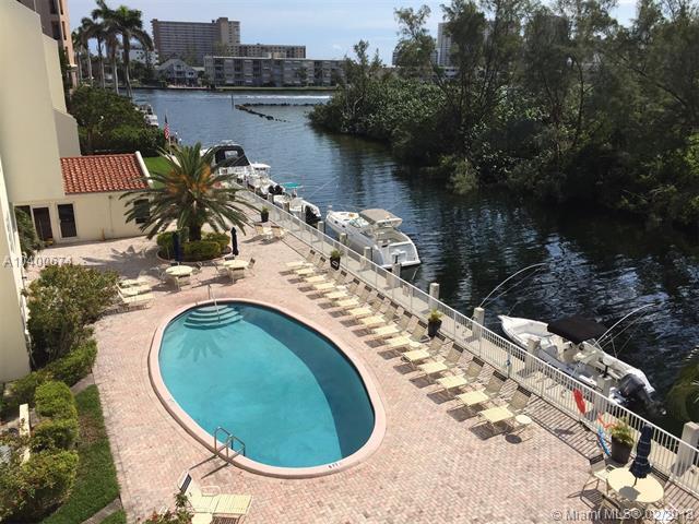 2860 NE 14th St Cswy 207D, Pompano Beach, FL 33062 (MLS #A10400674) :: The Teri Arbogast Team at Keller Williams Partners SW