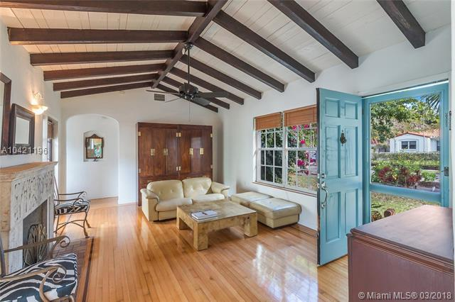 673 NE 73rd St, Miami, FL 33138 (MLS #A10421196) :: The Jack Coden Group