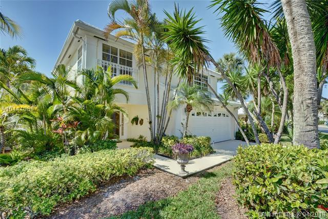 30 Windsor Ln., Palm Beach Gardens, FL 33418 (MLS #A10444089) :: Stanley Rosen Group