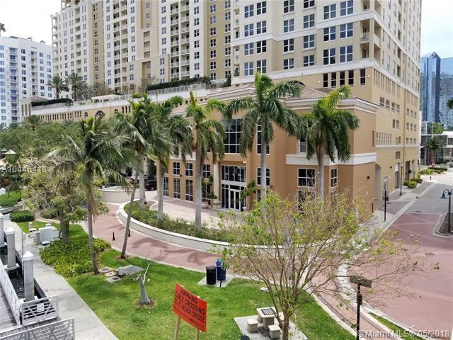 511 SE 5TH AV #4, Fort Lauderdale, FL 33301 (MLS #A10446418) :: The Teri Arbogast Team at Keller Williams Partners SW