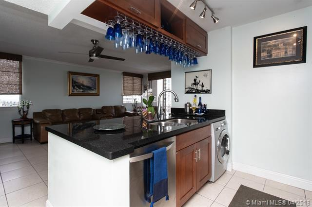 800 N Miami Ave Ph-1709, Miami, FL 33136 (MLS #A10448324) :: Green Realty Properties