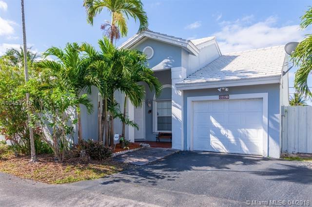 6451 SW 112th Pl, Miami, FL 33173 (MLS #A10453246) :: The Teri Arbogast Team at Keller Williams Partners SW