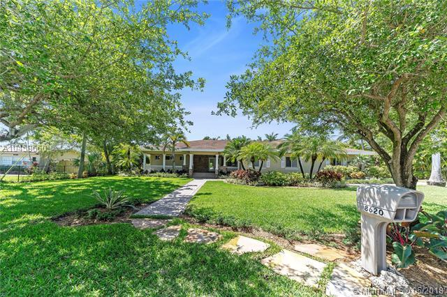 8620 SW 141 St, Palmetto Bay, FL 33158 (MLS #A10459660) :: Green Realty Properties