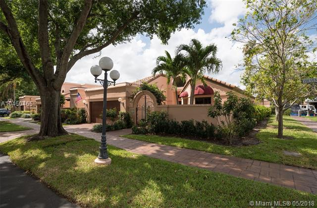 2851 Via Venezia, Deerfield Beach, FL 33442 (MLS #A10460465) :: Green Realty Properties