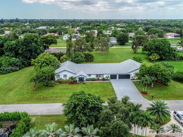 12300 NW 27th Ct, Plantation, FL 33323 (MLS #A10461648) :: The Teri Arbogast Team at Keller Williams Partners SW