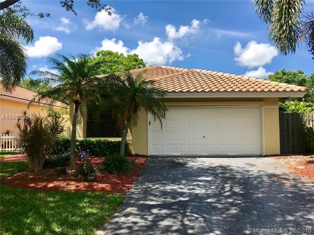 4175 NW 1st Court, Delray Beach, FL 33445 (MLS #A10462954) :: The Teri Arbogast Team at Keller Williams Partners SW