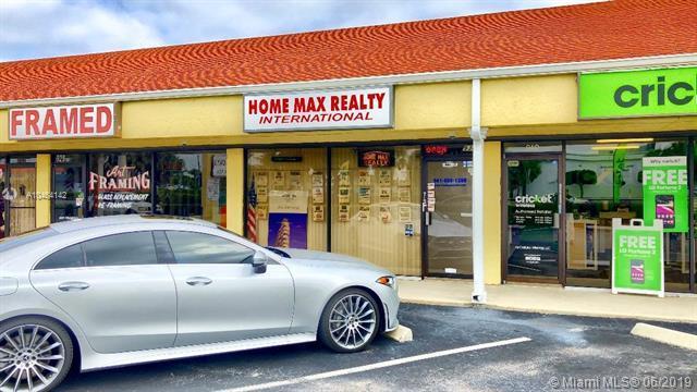 934 S Dixie, Lantana, FL 33462 (MLS #A10464142) :: Ray De Leon with One Sotheby's International Realty