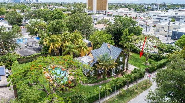 630 NE 81st St, Miami, FL 33138 (MLS #A10466188) :: The Jack Coden Group