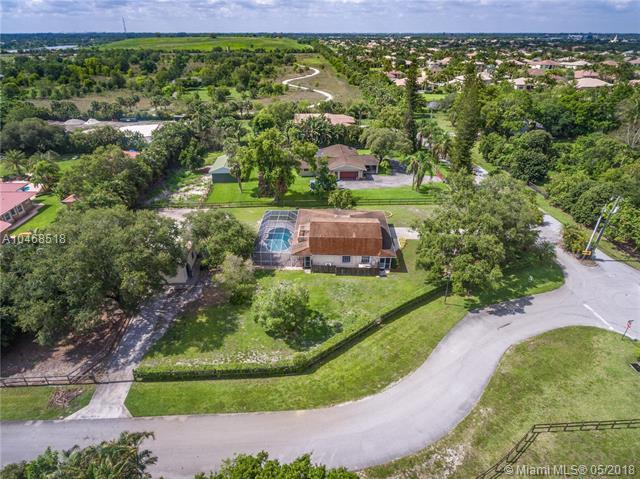 3100 SW 148th Ave, Davie, FL 33331 (MLS #A10468518) :: Green Realty Properties