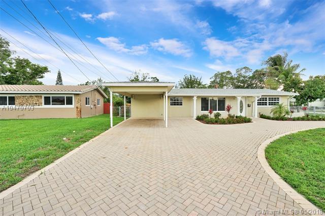 5561 SW 13th St, Plantation, FL 33317 (MLS #A10470703) :: Green Realty Properties