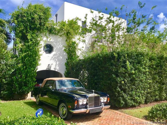 465 Hampton Ln, Key Biscayne, FL 33149 (MLS #A10471217) :: Ray De Leon with One Sotheby's International Realty