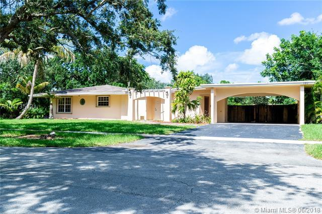 780 NW 66th Ave, Plantation, FL 33317 (MLS #A10473513) :: Calibre International Realty