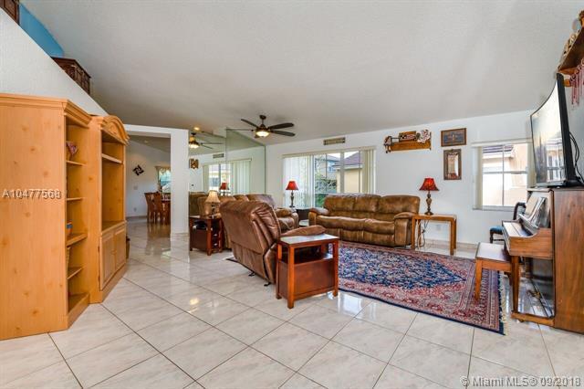 19283 NW 22nd St, Pembroke Pines, FL 33029 (MLS #A10477568) :: Green Realty Properties