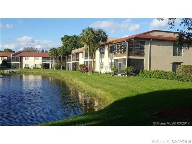 21218 Lago Cir B, Boca Raton, FL 33433 (MLS #A10479866) :: Laurie Finkelstein Reader Team
