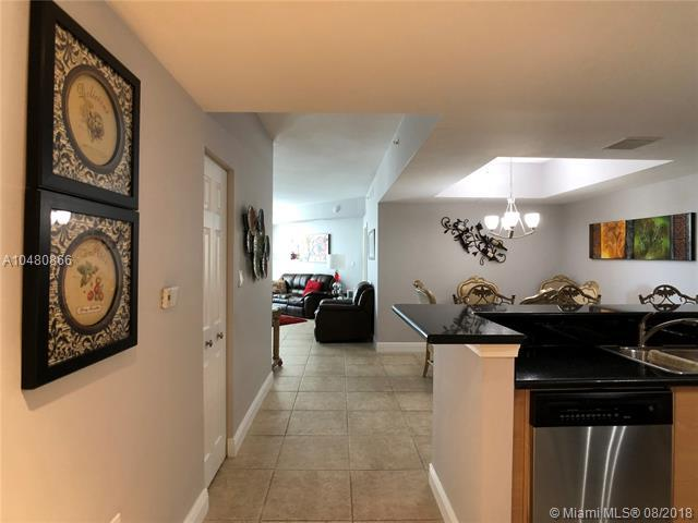 140 S Dixie Hwy #609, Hollywood, FL 33020 (MLS #A10480866) :: Green Realty Properties