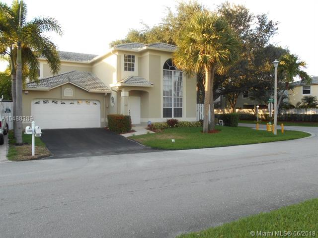 4353 NW 56th Dr, Coconut Creek, FL 33073 (MLS #A10488389) :: The Riley Smith Group