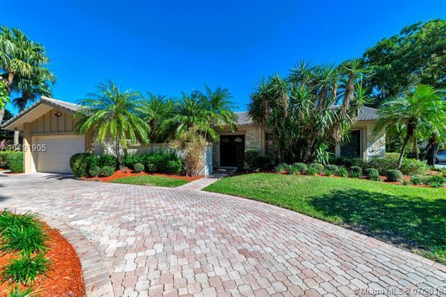 3501 N 32nd Ter, Hollywood, FL 33021 (MLS #A10491905) :: Green Realty Properties