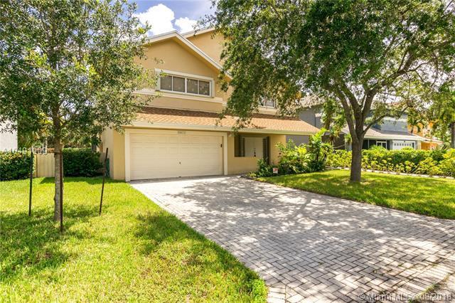 20611 NW 8th, Pembroke Pines, FL 33026 (MLS #A10491909) :: Green Realty Properties