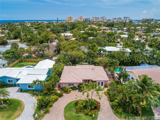 2602 N Riverside Dr, Pompano Beach, FL 33062 (MLS #A10493993) :: The Teri Arbogast Team at Keller Williams Partners SW