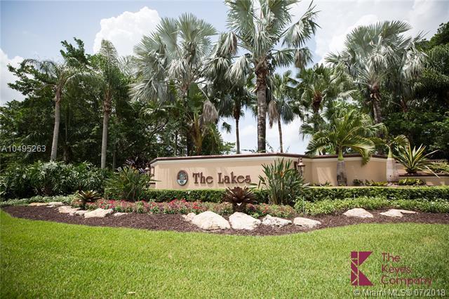 332 Cameron Dr, Weston, FL 33326 (MLS #A10495263) :: The Teri Arbogast Team at Keller Williams Partners SW