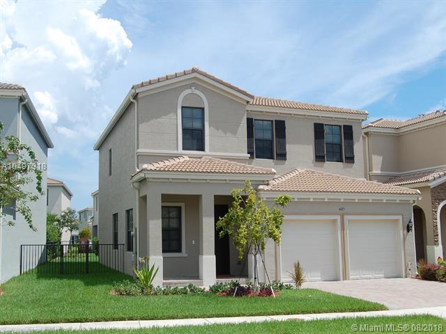 605 NE 191st St, Miami, FL 33179 (MLS #A10497318) :: The Riley Smith Group