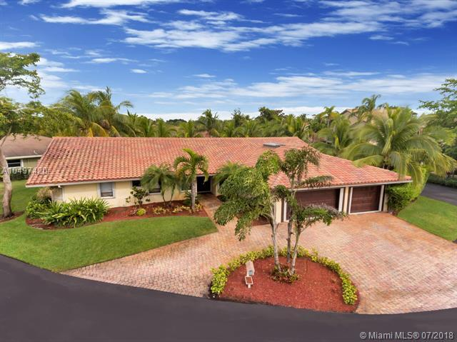 921 E Coco Plum Cir, Plantation, FL 33324 (MLS #A10497420) :: Green Realty Properties