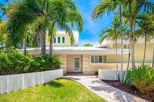 825 NE 76th St, Miami, FL 33138 (MLS #A10504207) :: The Jack Coden Group