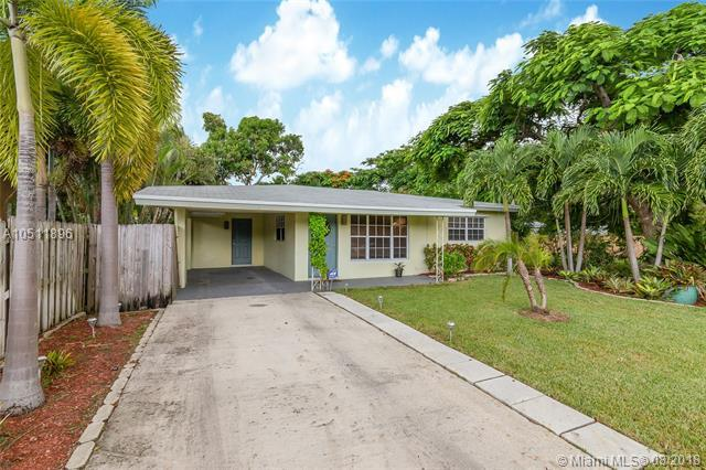 1511 NW 4th Ave, Fort Lauderdale, FL 33311 (MLS #A10511896) :: Laurie Finkelstein Reader Team