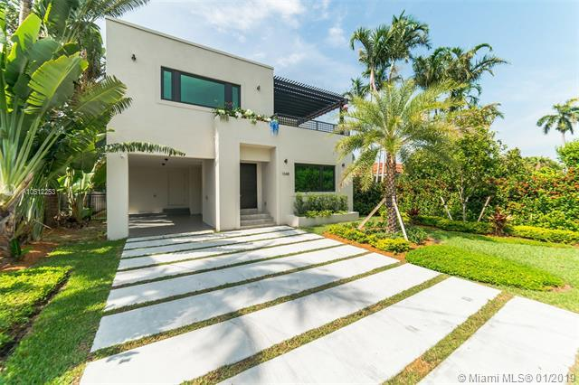 1048 S Northlake Dr, Hollywood, FL 33019 (MLS #A10512253) :: The Brickell Scoop
