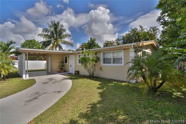 778 Carissa Dr, Royal Palm Beach, FL 33411 (MLS #A10513914) :: Green Realty Properties