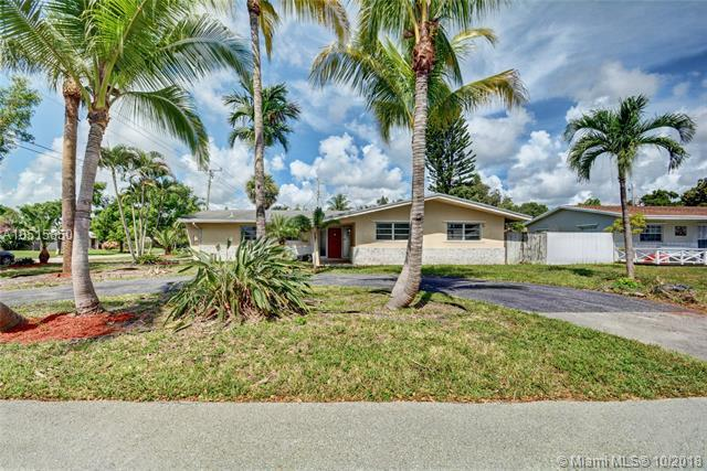 861 SW 1st Ter, Pompano Beach, FL 33060 (MLS #A10515850) :: The Riley Smith Group