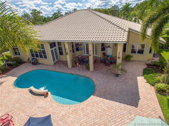 4000 SW 106th Ter, Davie, FL 33328 (MLS #A10530177) :: Grove Properties