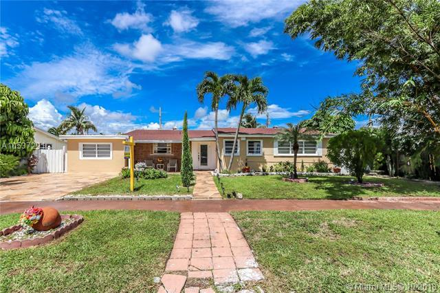 2565 NE 214th St, Miami, FL 33180 (MLS #A10537291) :: Green Realty Properties
