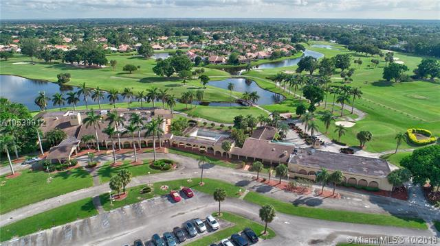 10416 Milburn Lane, Boca Raton, FL 33498 (MLS #A10539912) :: Green Realty Properties
