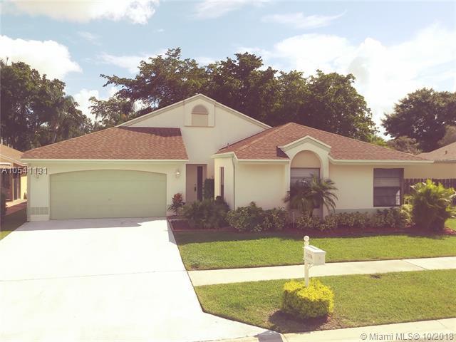 21036 Country Creek Dr, Boca Raton, FL 33428 (MLS #A10541131) :: Prestige Realty Group