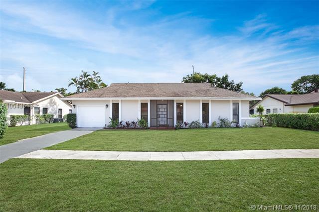 6374 Moonstone Way, Delray Beach, FL 33484 (MLS #A10543613) :: The Teri Arbogast Team at Keller Williams Partners SW
