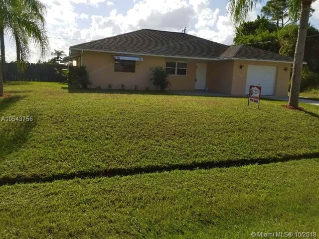 2292 SE Holland St, Port St. Lucie, FL 34952 (MLS #A10543756) :: Green Realty Properties