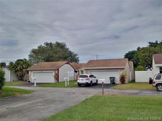 1302 Redstart Ct, Homestead, FL 33035 (MLS #A10546948) :: Green Realty Properties