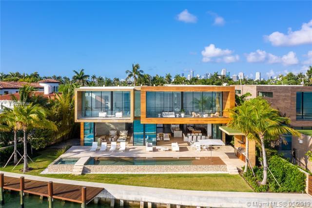 825 E Dilido Dr, Miami Beach, FL 33139 (MLS #A10549144) :: The Brickell Scoop