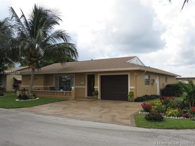 7615 NW 72nd Ave, Tamarac, FL 33321 (MLS #A10550778) :: Laurie Finkelstein Reader Team