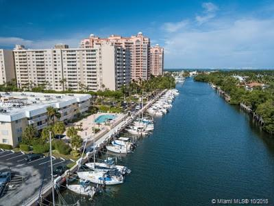 90 Edgewater Dr, Coral Gables, FL 33133 (MLS #A10553827) :: Carole Smith Real Estate Team