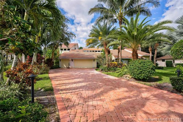 6502 Woodlake Rd, Jupiter, FL 33458 (MLS #A10554323) :: Green Realty Properties
