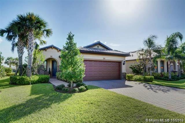 250 SE Courances Dr, Port St. Lucie, FL 34984 (MLS #A10554736) :: The Paiz Group
