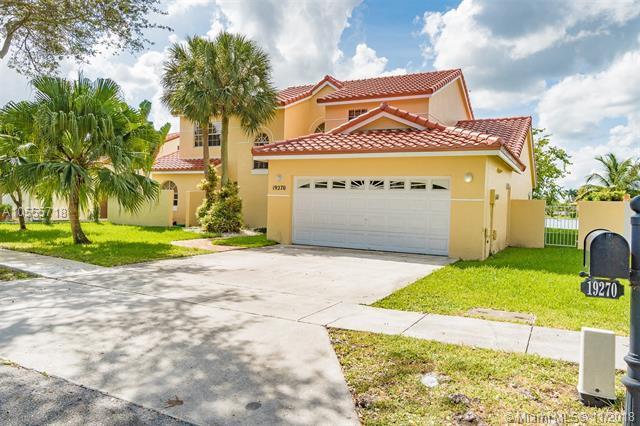 19270 NW 87th Pl, Hialeah, FL 33018 (MLS #A10555718) :: Green Realty Properties