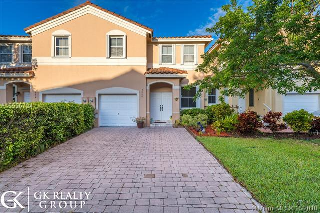3868 SW 170th Ave, Miramar, FL 33027 (MLS #A10556724) :: Green Realty Properties